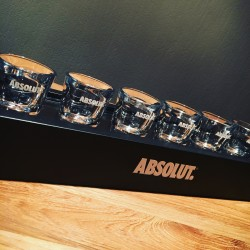 Demi-mètre de shooters Absolut vodka