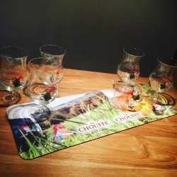 Set bar runner + 6 Chouffe beer glasses