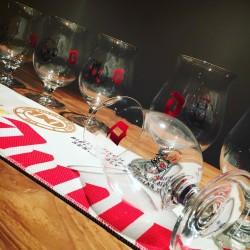 Kit Duvel Tapis de bar effet coton+ 6 verres