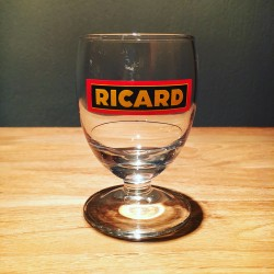 Glass Ricard ballon model 15