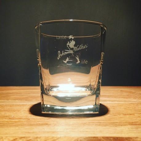 Glass Johnnie Walker on the rocks model 3
