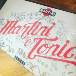 Metal plate Martini & Tonic