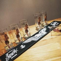 Set Sailor Jerry 6 glasses + Bar runner