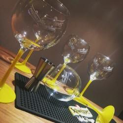Set Schweppes glasses + Bar runner + cocktail jigger