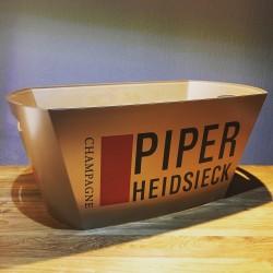 Bottle bucket Piper...