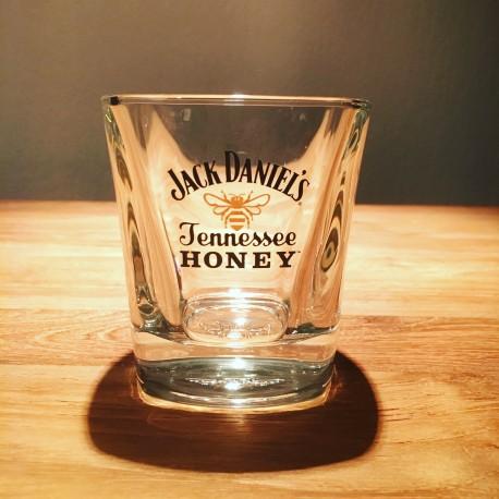 Glass Jack Daniel's Honey on the rocks