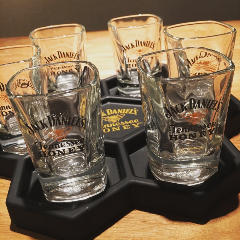 plateau pour shooter jack daniel s tenessee honey 6 verres. Black Bedroom Furniture Sets. Home Design Ideas