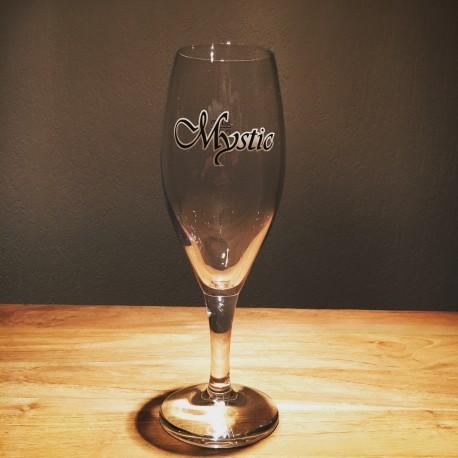 Glass beer Kriek Mystic