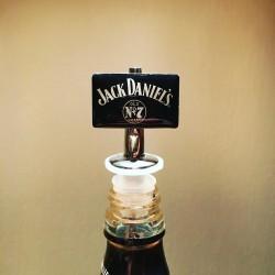 Pissette - bec verseur pour bouteille Jagermeïster