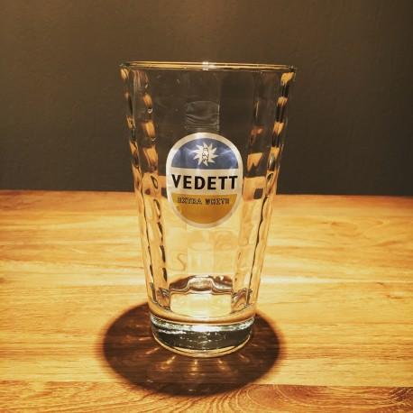 Glas bier Vedett facet