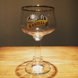 Glass Beer Kasteel with castel on feet back & white