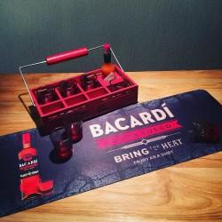 Plateau en bois Bacardi Fuego + 7 shots + Tapis de bar Fuego
